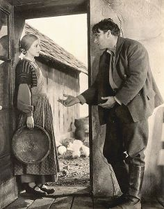 472px-F._W._Murnau-Sunrise-Gaynor_and_O'Brien_on_Farm