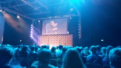 Really bad photo of Warwick Davis's panel